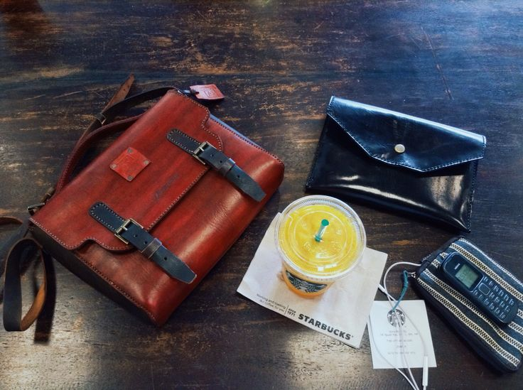 Red #CrossBodyBag  with Black #Clutch ◼️ and Yellow #MangoPassionFruit  brighten a gloomy #Sunday  All leather stuffs #onthetable are products of 'rey.winter.stuff' by REY.WINTER . #Bespoke #HandStitched  Follow @laboratorio.1 if you feel free . #afternoon #lifeisbeautiful #hcmclife #hcmc #Vietnam #district1 #leather #HandCraftedLeather #handmadeleather #leatherstuff #ReyWinterStuff #reywinter #Laboratorioone #vsco #vscocam   #studio #Starbucks #StarbucksMoment #relax