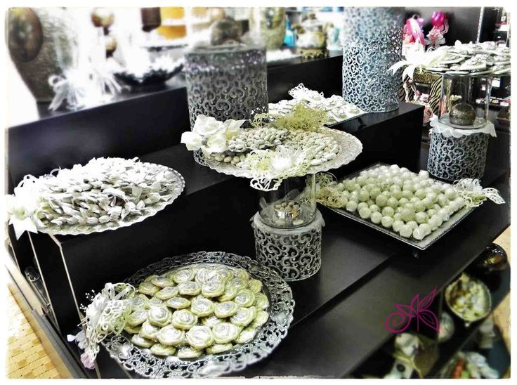 7 best weddings chocolate souvenirs trays decorations images on pinterest serving trays. Black Bedroom Furniture Sets. Home Design Ideas