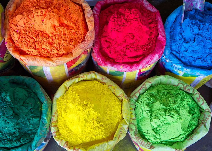Among the wide list of Holi specials, organic colours are becoming the top-rated ones for most modern individuals. Here , we listed some reasons behind why herbal colours are best for holi.