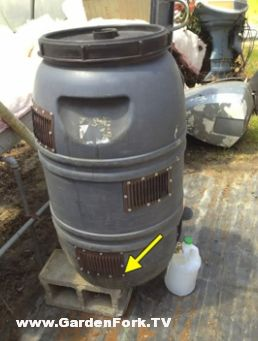 Build a Raider-Proof worm composting bin from a food grade barrel video - GardenFork.TV Cooking & DIY Videos