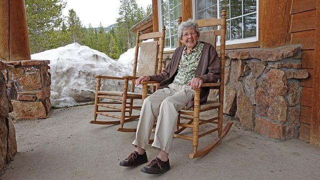 Egy 96 éves néni 12 jótanácsa a fiatalság megéléséről és a szépség megőrzéséről!