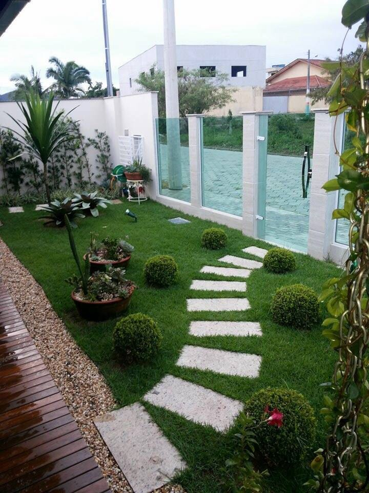 Paisagismo para valorizar a entrada da casa | Portal Tudo Aqui | Jardins pequenos, Jardins ...