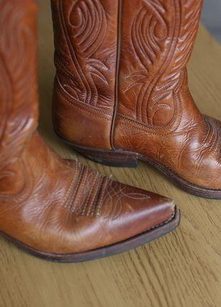 Kup mój przedmiot na #vintedpl http://www.vinted.pl/damskie-obuwie/inne-obuwie/13270284-oryginalne-kowbojki-sancho-36-skora-naturalna-brazowe-biker-boots-country-skorzane-szpic