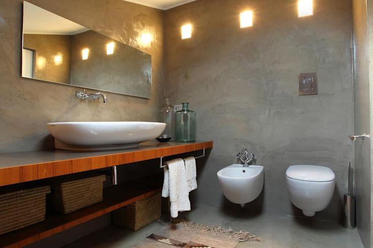 casa di ringhiera: Bagno in stile in stile Minimalista di studio ferlazzo natoli