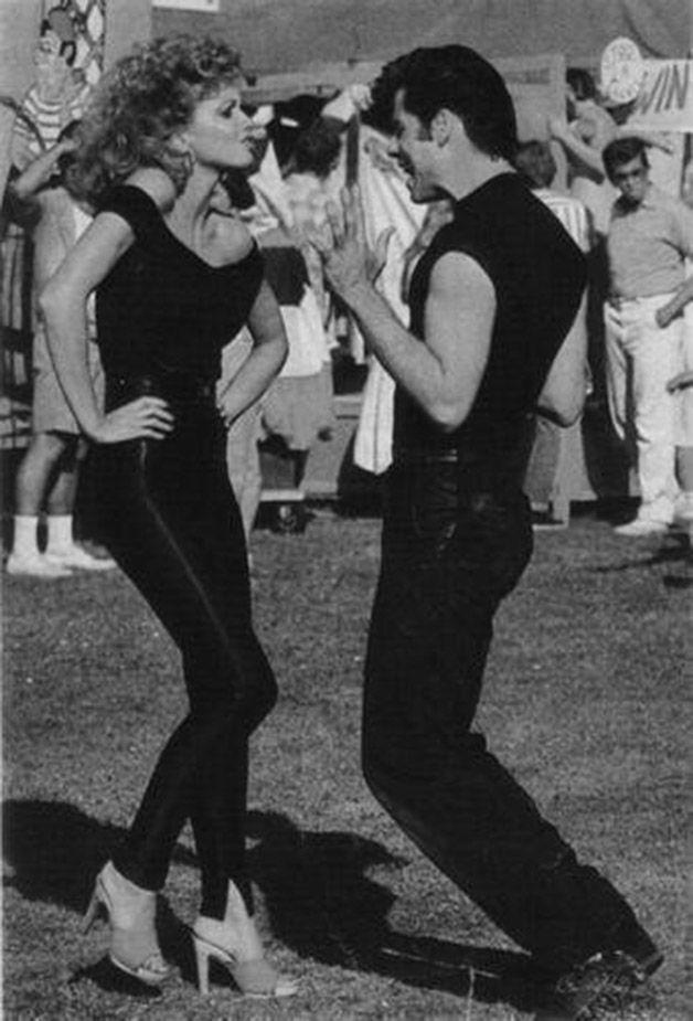 John Travolta e Olivia Newton John ensaiando para o filme Grease – Nos Tempos da Brilhantina