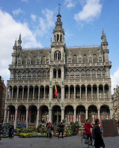 Maison du Roi in la Grand Place, Brussels http://mikestravelguide.com/things-to-see-in-brussels-la-grand-place/ #Brussels #travel #visitflanders