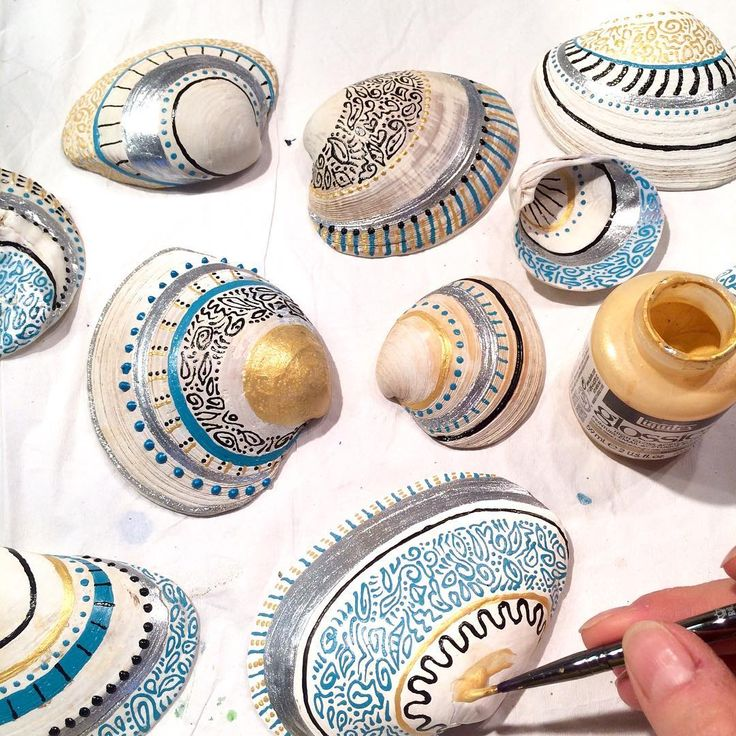 25 best ideas about painted sea shells on pinterest - Types of seashells for kids ...