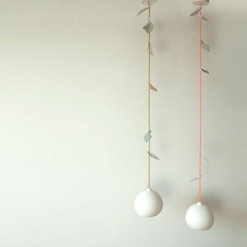 Hanglampen - Studio Elke van den Berg   http://www.elkevandenberg.nl/portfolio/naked.html