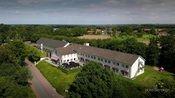 Best Western Hotel Slenaken Heijenrath  Description: Best Western Hotel Slenaken bevindt zich tussen het glooiende landschap van Zuid Limburg net buiten de meest zuidelijk gelegen plaats in Nederland. Het hotel met charme en karakter ligt helemaal boven op een berg met vergezichten over de Gulp-vallei en Belgie. De omgeving is ideaal voor wandelaars fietsers of voor iedereen die het even rustig aan wil doen. - Het hotel heeft geen 24-uurs receptie. U kunt inchecken tot 23:00 uur.  Price…