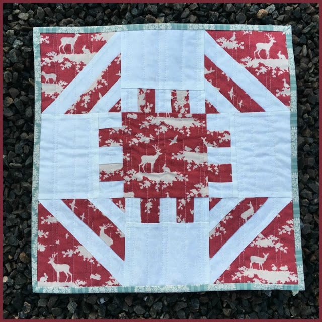 Birthes rom: Monthly Mini Quilt