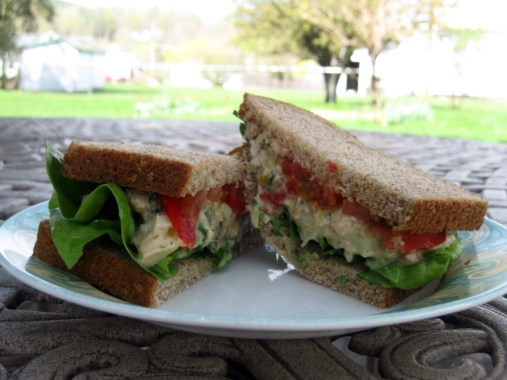 This is the best tuna salad EVER! (from sweetfernhandmade blogspot)