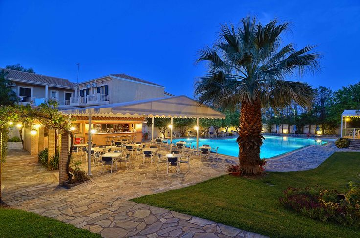 Our Swimming Pool & The Pool Bar @ Hotel Konaki in #Lefkada, #Greece www.hotelkonaki.com