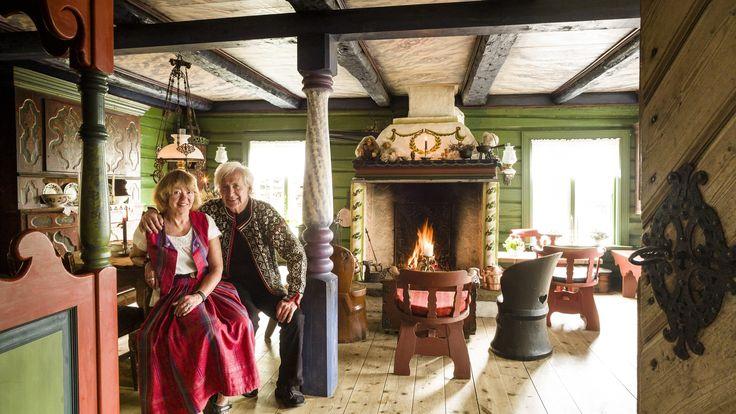 Egil Torin Næsheim og Ellen Sofie Næsheim har laget seg et autentisk husmannsbruk fra 1700-tallet.