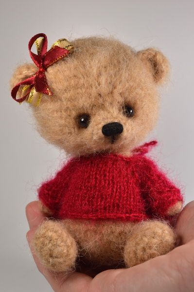 Crochet Teddy in Red Sweater / Teddy Bears & Pals / Teddy Talk: Creating, Collecting, Connecting