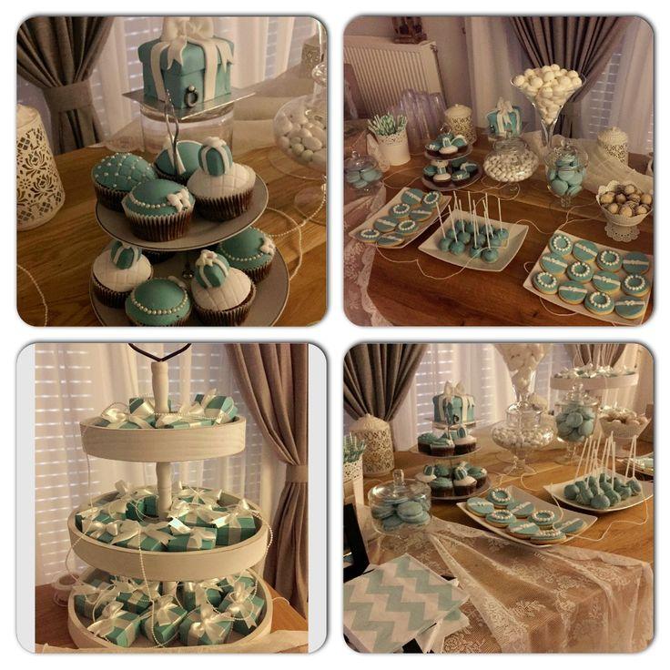 στολισμός γάμου..λινάτσα, δαντέλα, δαντέλα, πέρλες...ιβουάρ...vintage, lace  Wedding Decorations...decoration details...Tiffanys details...Dessert buffet...Candybar... Μπομπονιέρα γάμου...