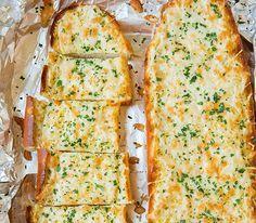 Αγαπημένο σκορδόψωμο  με τυριά