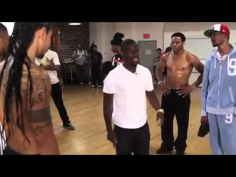 HA!!! #kevinhart #chrisbrown Kevin Hart Gives Chris Brown a Dance Lesson For The BET Awards
