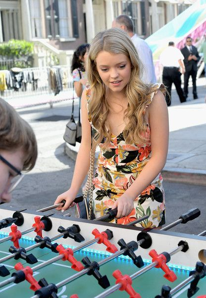 Jade Pettyjohn Photos Photos - Actor Jade Pettyjohn celebrates the 100th episode of Nickelodeon's The Thundermans at Paramount Studios on June 28, 2017 in Hollywood, California. - Nickelodeon's 'The Thundermans' Celebrate Their 100th Episode