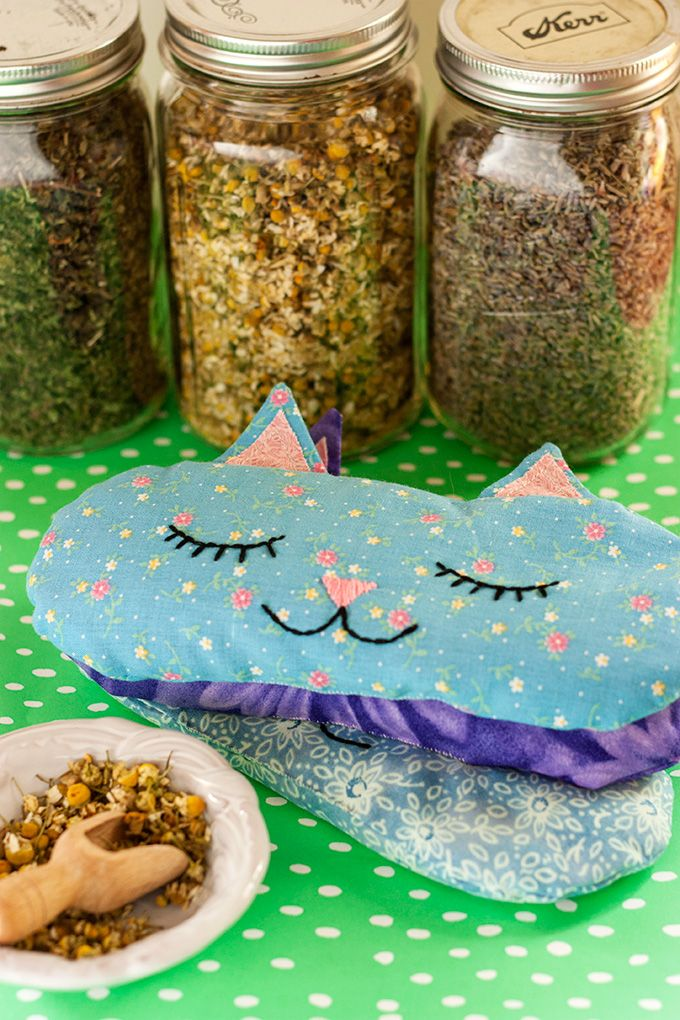 DIY: 'Cat Nap' Eye Pillows + Free Sewing Pattern #craft #herbal #kitties