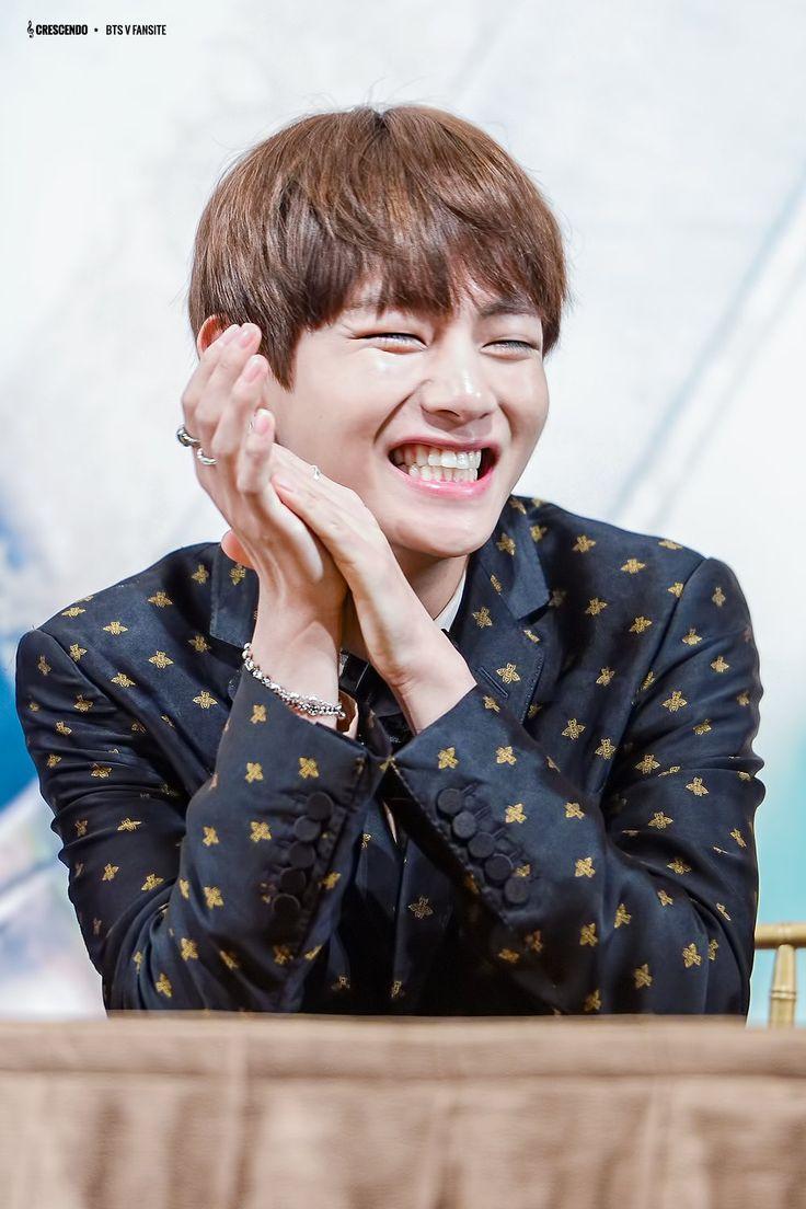 "CRESCENDO   Do not edit.""   BTS   Bts taehyung, Taehyung, BTS"