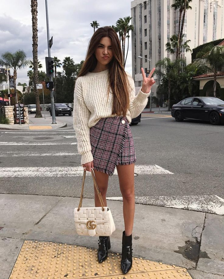 "130.4 mil curtidas, 971 comentários - Negin Mirsalehi (@negin_mirsalehi) no Instagram: ""Couldn't be happier to spend NYE in LA."""
