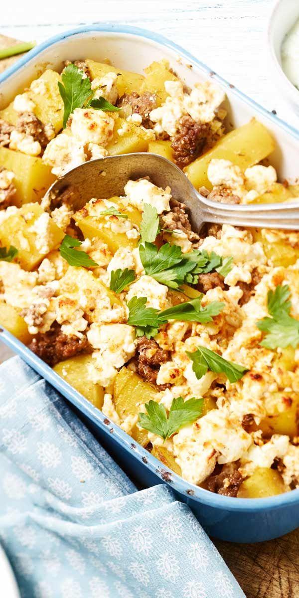 Man nehme Kartoffeln, Feta, eine große Portion Hackfleisch und das MAGGI Rezept zur Hand und erhält einen spitzen Feta-Hack-Auflauf. Köstlich!