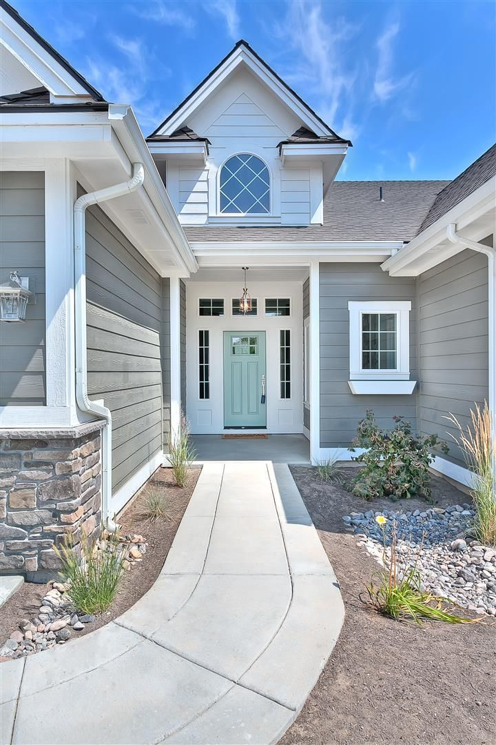 Clean And Bright Home Exterior Is Amherst Gray Hc 167 Front Door Is Wythe Blue Hc 143 Both