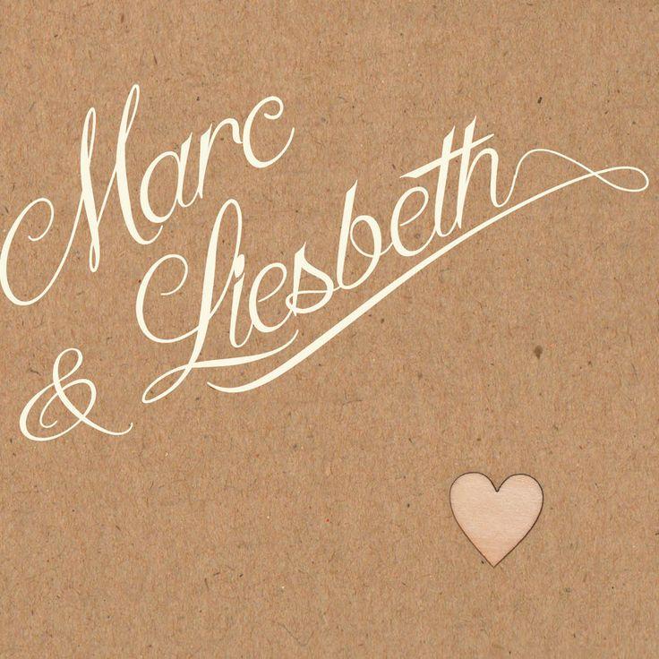 Klik op de kaart!  Kaartnaam:M+L Omdat een trouwdag persoonlijk en bijzonder is, doen wij bij uniekkaartje.nl niet moeilijk over het aanpassen van een kaartje. Stel je kaart zelf samen! Al een kleur in gedachten? Mail die kleur en wij passen het aan. Zo krijg je een kaartje dat helemaal bij jullie bruiloft past. Zonder extra kosten!  Mooi papier