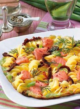 Nudel-Lachs-Omelett: http://kochen.bildderfrau.de/rezepte/rezept_nudel-lachs-omelett_106562.aspx #nudeln #pasta