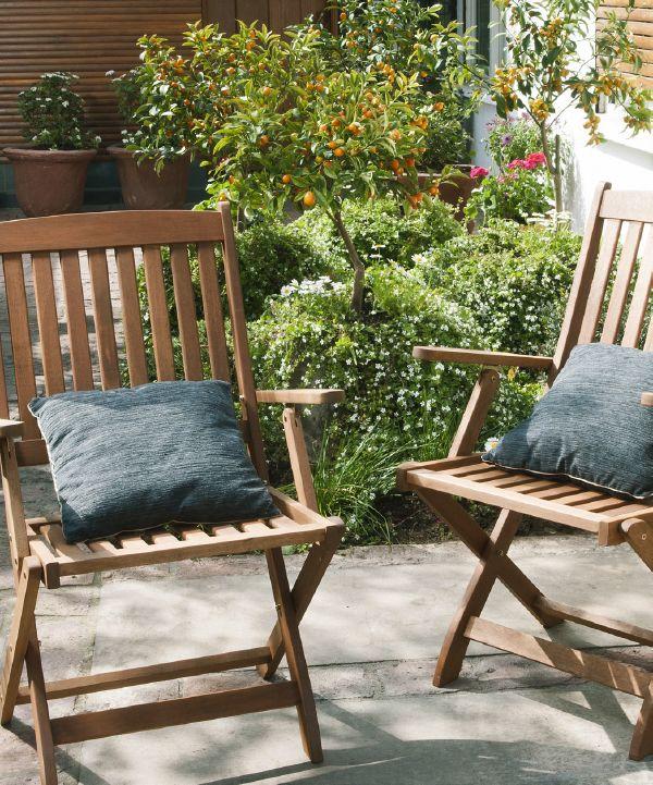 ¡Bienvenida la tendencia rústica! Incluye en tu jardín elementos hechos con materiales naturales. Un ejemplo es la madera que se funde con el entorno y le da un aire acogedor. ¡Pinea #MiJardinPerfecto! #Terraza #Deco #Jardín #Primavera #Hogar #Primavera #easychile #easytienda #easy #Concurso