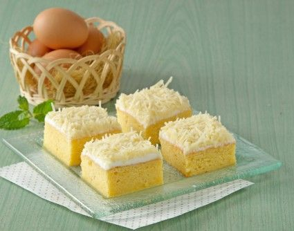 Cake tape keju, cake lezat untuk disajikan di kesempatan istimewa. Sajikan untuk kumpul keluarga.