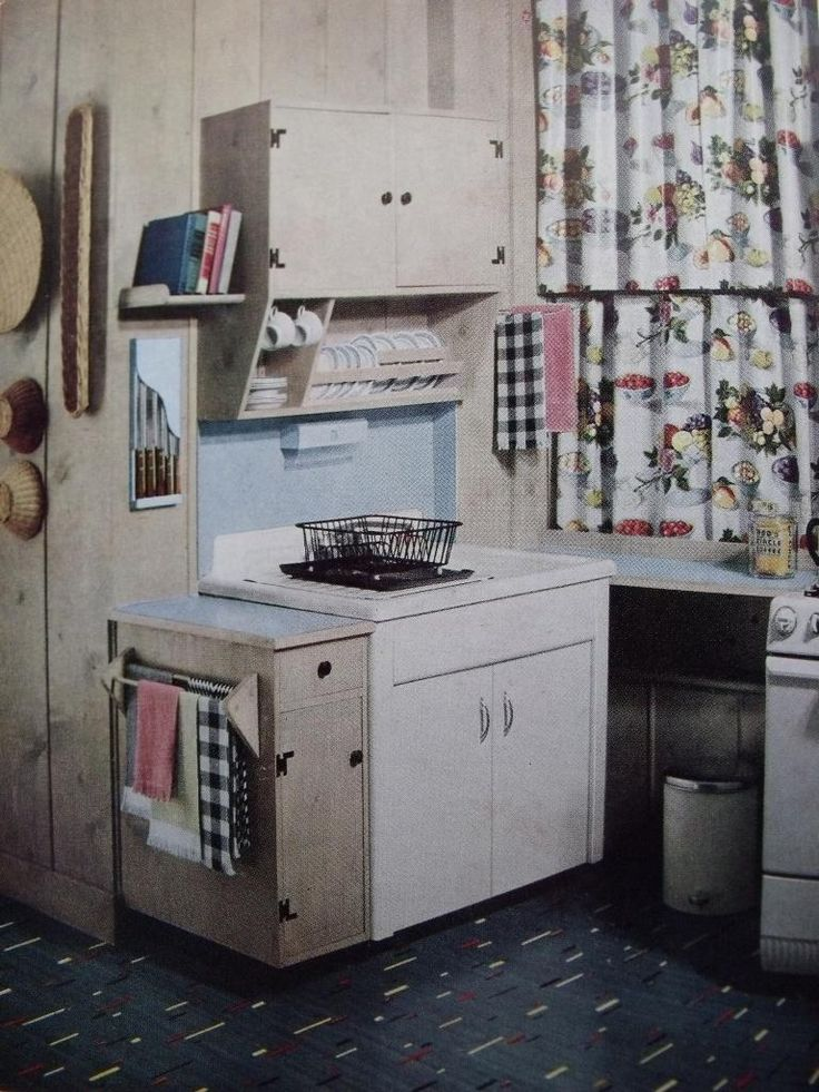 Just a quick post to let you know about a must-watch tv programme for anyone interested in British interiors of the 1950s. Channel 4's new series, The House The 50s Built, begins on Thursday…