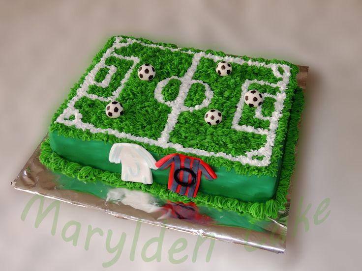 Marylden Cake - Cake design gâteau terrain de football en pâte à sucre