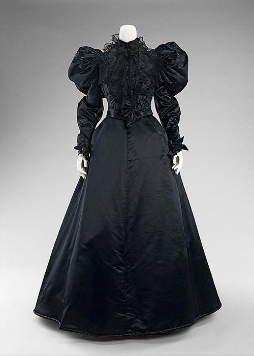 Mourning Dress, 1894-1896, via The Metropolitan Museum of Art.