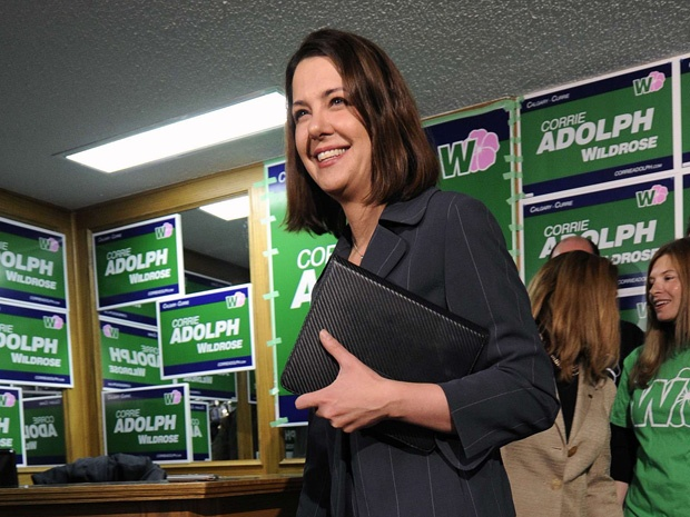 Wildrose leader Danielle Smith denies she's 'hiding' from public after cancellinginterviews