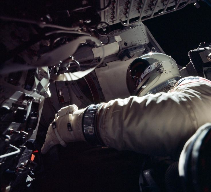 Rare Pictures From the Dawn of NASA Spaceflight