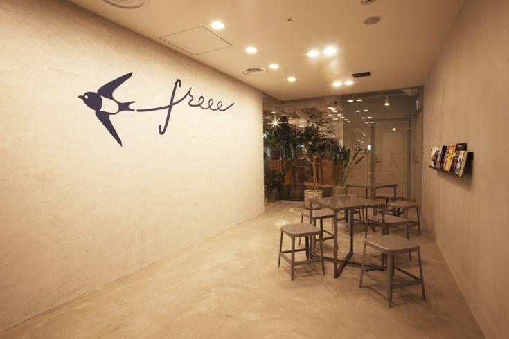 3フロアに一体感をもたせたオープンで開放的な''freee''的オフィス|オフィスデザイン事例|デザイナーズオフィスのヴィス