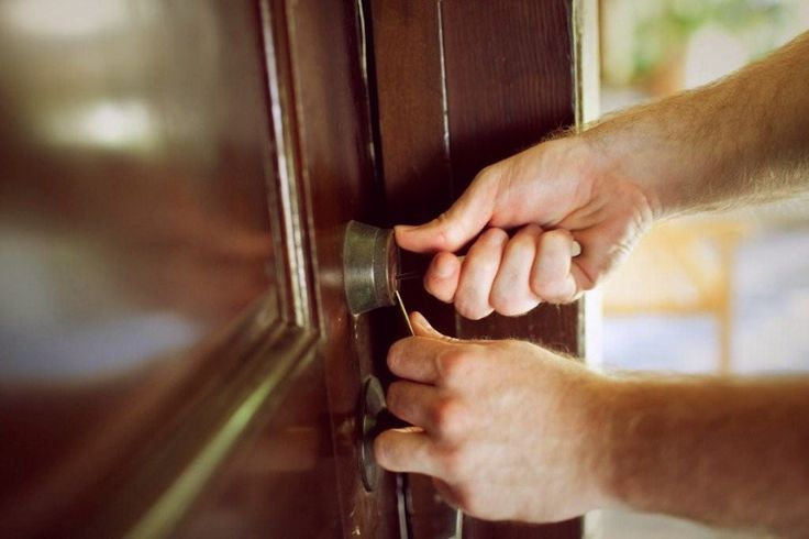Hire an expert and avail the desired #locksmith #service for your home.