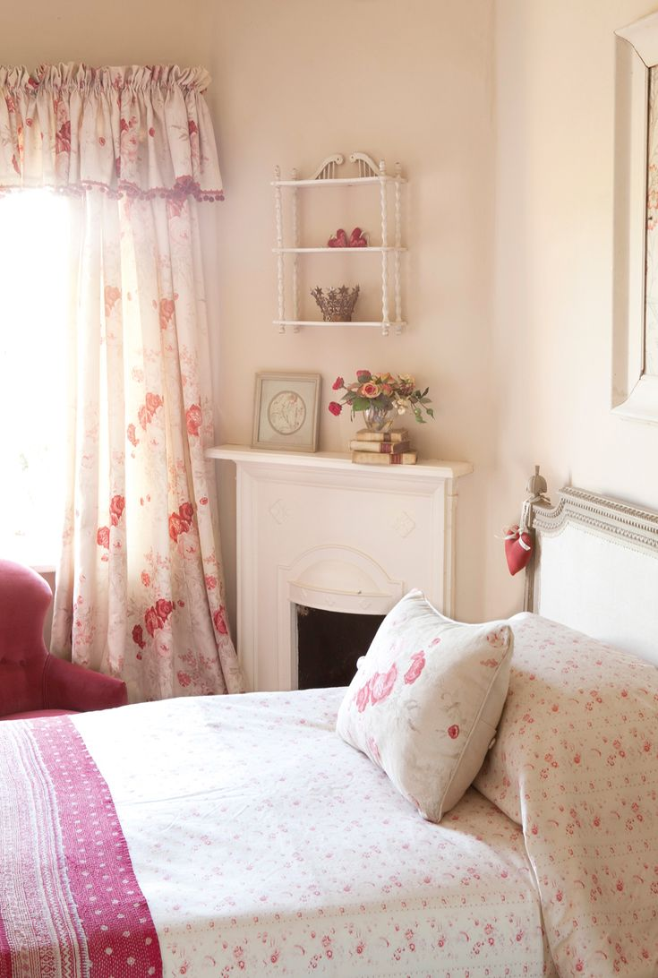 Raspberry Bedroom 17 Best Ideas About Kate Forman On Pinterest Blue And White
