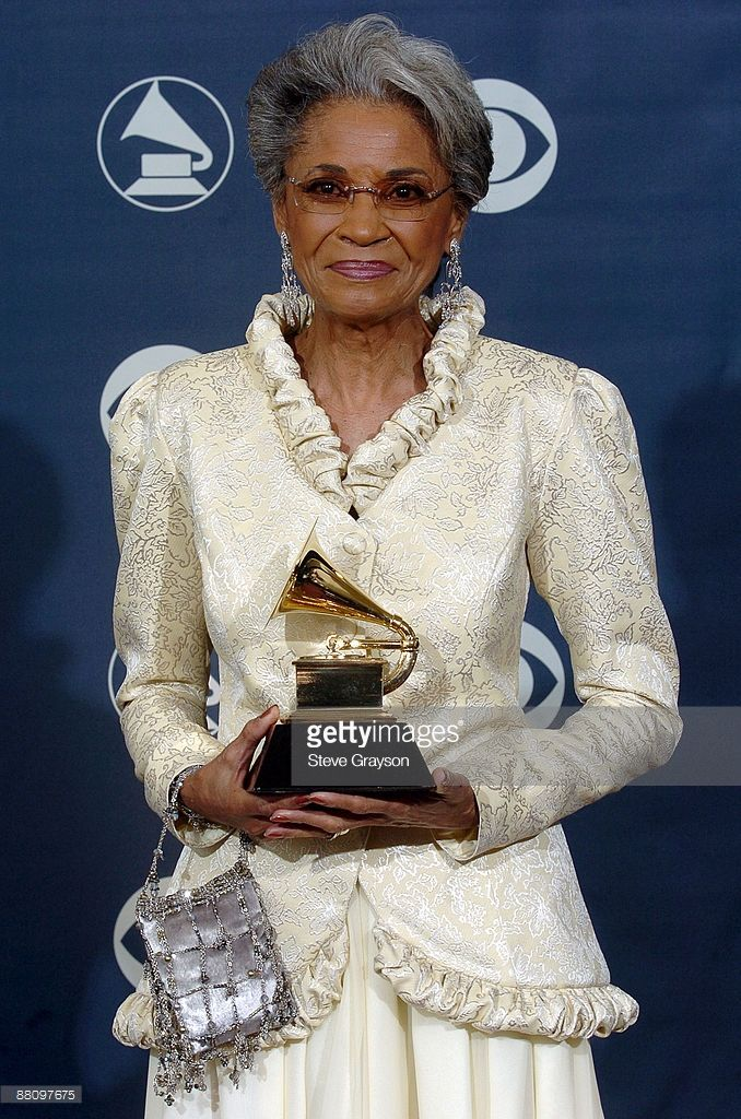 The 47th Annual Grammy Awards Press Room Photos and Premium High Res  Pictures | Nancy wilson, Vintage black glamour, Black beauties
