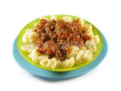 Receta de codillos de pasta con salsa de piquillos y carne salteada   EROSKI CONSUMER