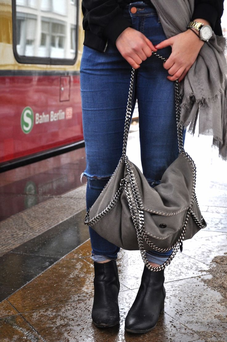 "Ripped Topshop ""Leigh"" Jeans 