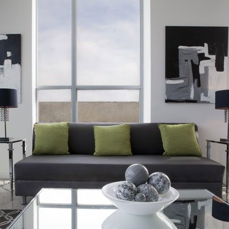 ¿Quieres que tu salón parezca más grande?  Ojo a estos trucos de decoración para agrandar espacios: http://www.mujeresreales.es/hogar/fotos/6-trucos-de-decoracion-para-agrandar-espacios/tamanoimporta
