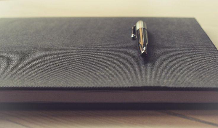 🌞 Silver Pen on Black Book - new photo at Avopix.com    👉 https://avopix.com/photo/40268-silver-pen-on-black-book    #pen #business #paper #ballpoint #office #avopix #free #photos #public #domain