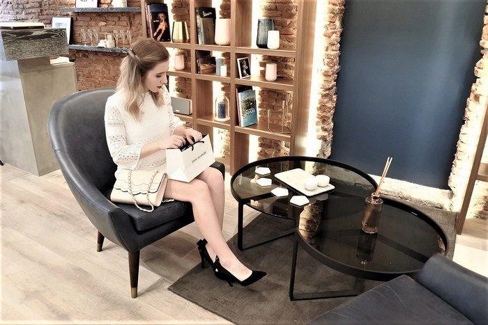 Le Look fiançailles de la Petite Frenchie dans notre nouvelle boutique Zeina Alliances à Toulouse - La Petite Frenchie.  #zeinaalliances #zeinaworld #mariage #alliances #toulouse