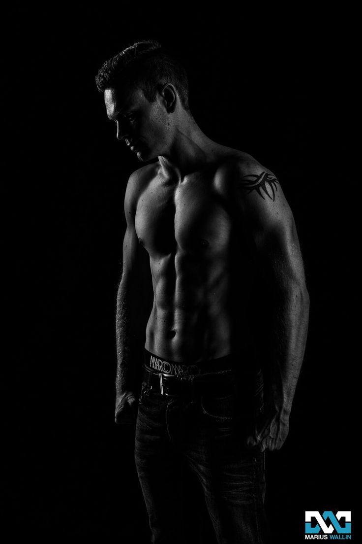 Model: Martin Gulbrandsen. Photo: Marius Wallin. #Bodybuilding #Fitness #Mens #Muscles