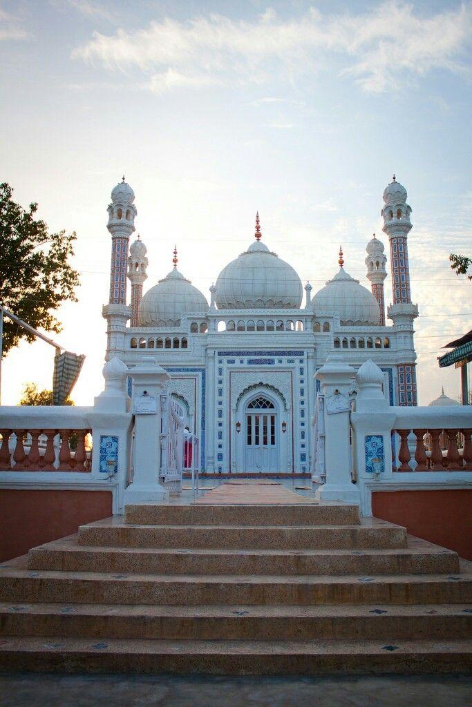 Masjid at Darbar Mahal, Bahawalpur, Punjab, Pakistan