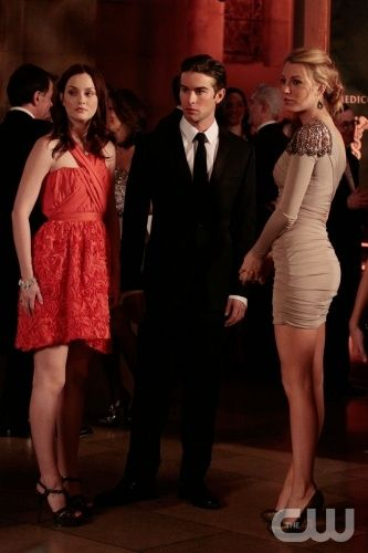 """""""Its a Dad, Dad, Dad, Dad World""""  Pictured: Leighton Meester as Blair, Chace Crawford as Nate, Blake Lively as Serena  Photo Credit: Giovanni Rufino / The CW  © 2010 The CW Network, LLC. All Rights Reserved."""