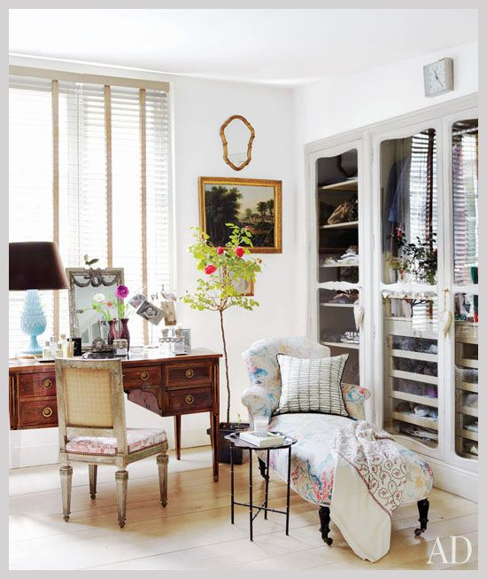 Closet door detailing - Isabel López-Quesada's home at Architectural Digest: Dressing Rooms, Interior Design, Architectural Digest, Closets, Interiors, Space, Bedroom, Dressing Table