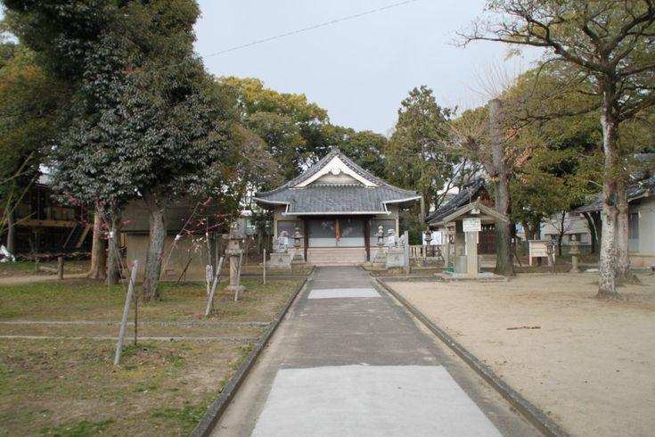 茨木市には春日神社がたくさんありますが、こちらは春日5丁目の春日神社。 正確には「倍賀春日神社(へかかすがじん…
